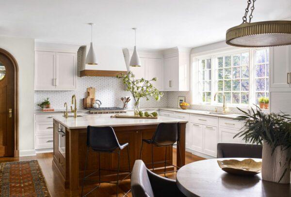 Remodelando uma cozinha Tudor Revival