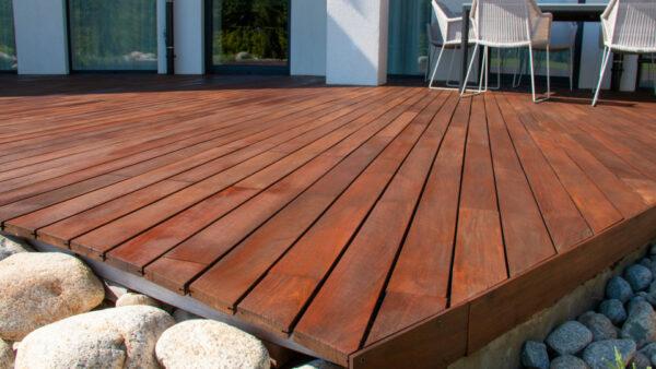 Tudo sobre decks de madeira dura