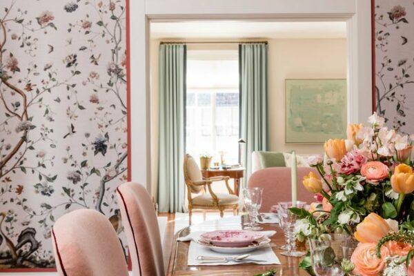 A designer Marea Clark transforma uma sala de jantar estéril em uma caixa de tesouro divertida